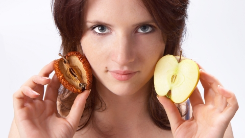 Cellulite e invecchiamento della pelle: Cordyceps ferma i veri nemici della pelle, gli enzimi infiammatori